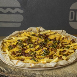 Chilli cheese bacon fries